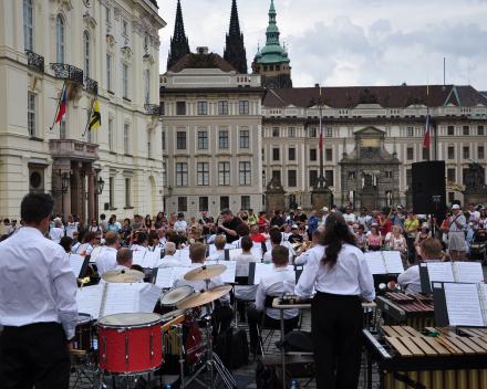 Harmonie Pius X uit Poeldijk in concert in Praag