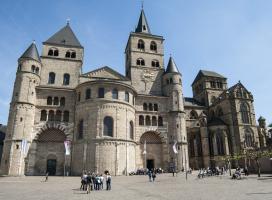Zingen in de Dom van Trier